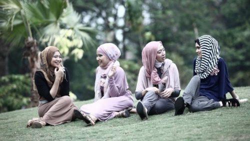 Hijab, Jilbab, dan Khimar dalam Tafsir Al-Quran